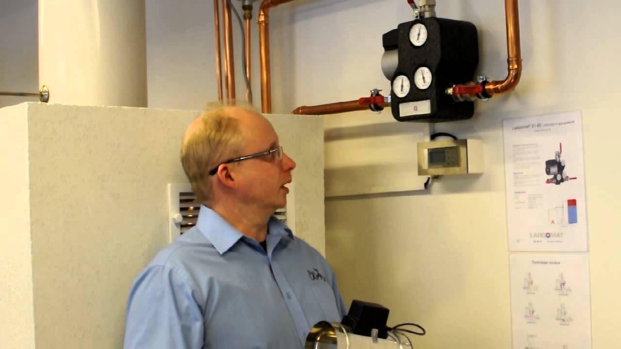 Vesikiertotakan latauspumppu ja automaattinen paloilmansäädin